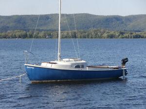 19' O'Day Mariner 2+2 Sailboat, Motor and Trailer