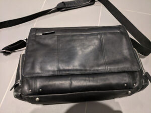 Danier Black Leather Messenger/lapop Bag (Men)