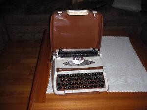 Smith Corona ManualTypewriter/  Machine a écrire,  Dactylo,