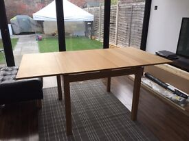 Extendable Dining table for sale good condition
