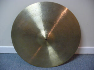 "Cymbale Sabian 20"" HH Hand Hammered Medium Ride Cymbal"