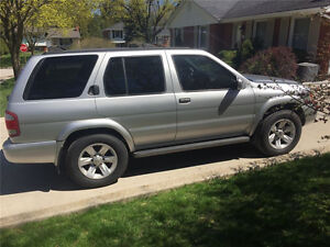 2003 Nissan Pathfinder LE SUV *Low KMs* Great Condition