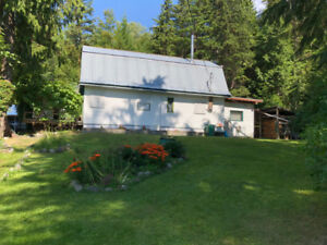 Home for sale in BEAUTIFUL ARROW LAKES OF BC