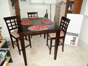 Apartment Size Dining Table