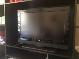 32 inch screen black tecknika TV