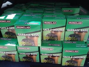 Lot de boîtes de sacs a ordures