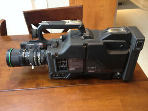 Sony CA-327 Camera with Hot Plate Lens Cambridge Kitchener Area image 1