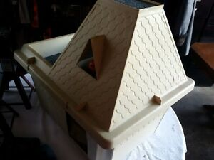 Nice Kitty Kat Playhouse great for Kittens or Cat