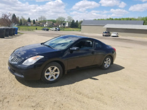 2008 Nissan Altima Coupe 2.5s (Low KM)