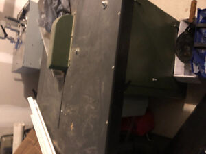 Picture framing saw 3 phase motor cuts on perfect 45 angle