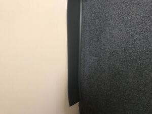 APROX 70 Ft RUBBER WALL BASEBOARD