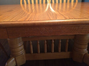 Oak table with 6 chairs Stratford Kitchener Area image 5
