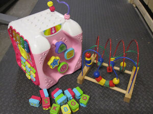 Vtech - Alphabet Activity Cube and Abacus