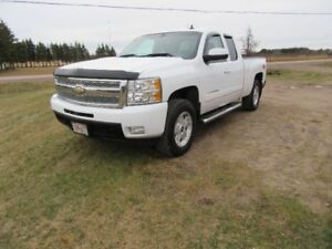 2010 Chevrolet Silverado 1500 Z71 4X4   LTZ  LOADED  5.3L