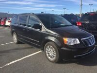 Chrysler Town - Country 4dr Wgn Touring w-Leather 2015