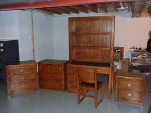 Solid Oak Bedroom Bedroom Set (Windjammer)