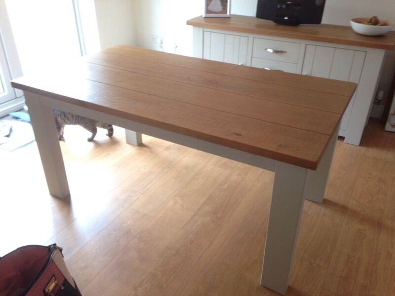 NEXT Hartford Extending 6 8 Seater Dining Table in  : 86 from www.gumtree.com size 800 x 600 jpeg 41kB