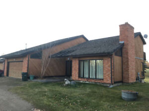 Great Opportunity In This Four Bed Two Storey Country Club Home