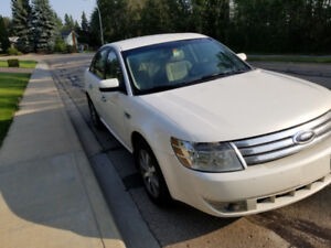 2009 Ford Taurus with New Tires and New Windshield!