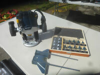 LIKE NEW MASTERCRAFT PLUNGE ROUTER+ 12 ROUTER BIT SET