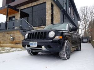 2012 Jeep Patriot Limited 4x4 winters heated leather bluetooth