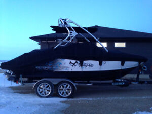 WINTER DEAL! 2010 Chaparral 224 Xtreme Wake/Surf Boat
