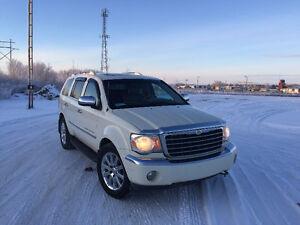 2007 Chrysler Aspen White SUV, Crossover