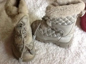 Size 9 silver winter children's place boots