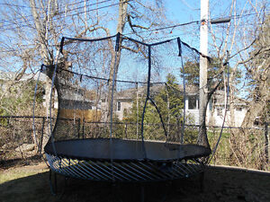 TRAMPOLINE AT A GREAT PRICE