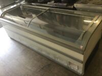 AHT Extra Large Chest Freezer With Double Glass sliding top