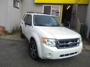 Ford Escape FWD 4dr I4 XLT 2010