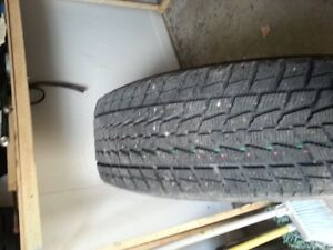 4 steel rims (6 holes-Tacoma) et 4 winter tires - 2 winters only