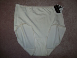 New (with tags) Women's Underwear (Vanity Fair)