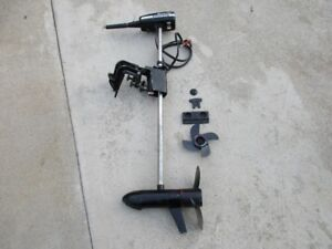 mercury electric outboard motor with free extra prop  in Trail