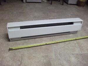 Plinthe électrique blanche