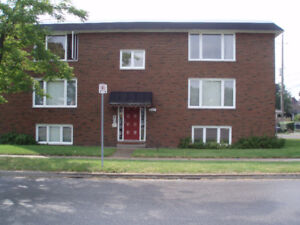 Windsor ON 6 Unit Apartment Building For Sale >NEW PRICE<