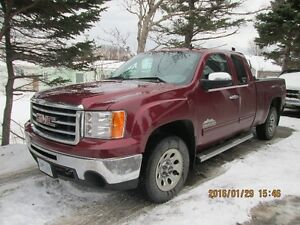 2013 GMC Sierra 4x4 Extended Cab Pickup Truck