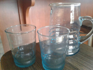 Recycled glass water pitcher glasses. No cracks or chip