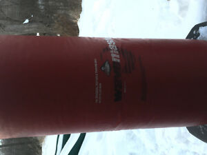 Waterbase punching bag weighs about 150lbs Cambridge Kitchener Area image 4