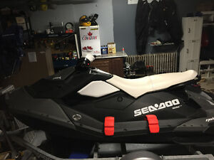 2015 Sea-Doo Spark 3up with trailer