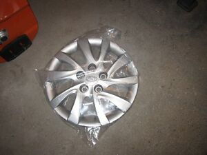 2013 Elantra wheel cover Kitchener / Waterloo Kitchener Area image 1