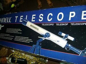 BUSHNELL DEEP SPACE SERIES 525X TELESCOPE