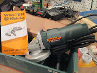Meuleuse d'angle 4.5 po - Angle Grinder 4.5 inches