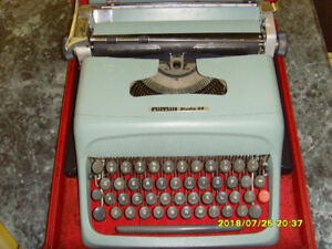 OLIVETTI STUDIO 44 ORIGINAL MADE IN SPAIN $120