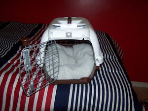 small pet carrier with soft bed Stratford Kitchener Area image 2
