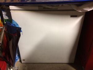 Cover type freezer