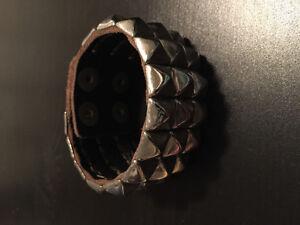 Bracelet en cuir de marque uranium avec métal