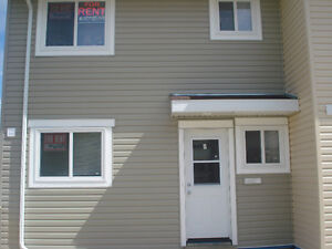 4-Bedroos 2.5 Bathrooms Townhouse in 600-Signal Road for Rent