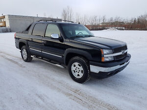 2006 Chevrolet Avalanche, 4x4, auto, only 180,000 km.