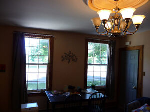 Conveniently located 2-BEDROOM apartment